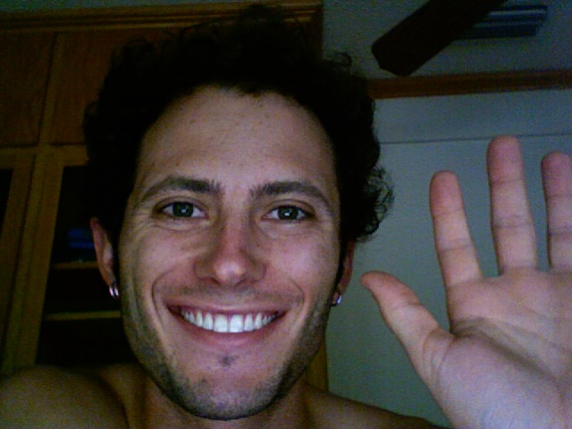 noah kagan waving hello